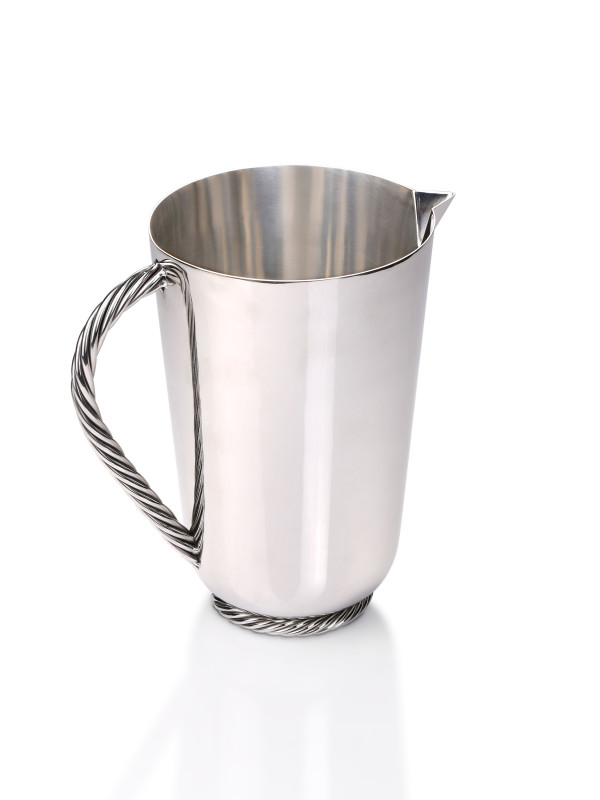 TWIST PITCHER